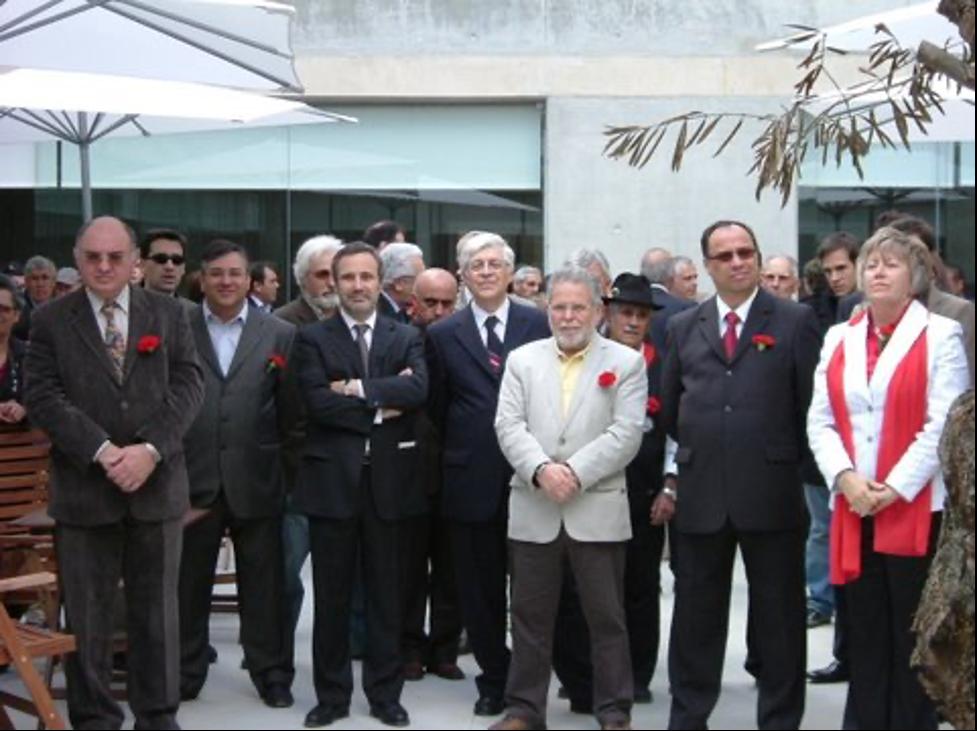 25 de Abril de 2009